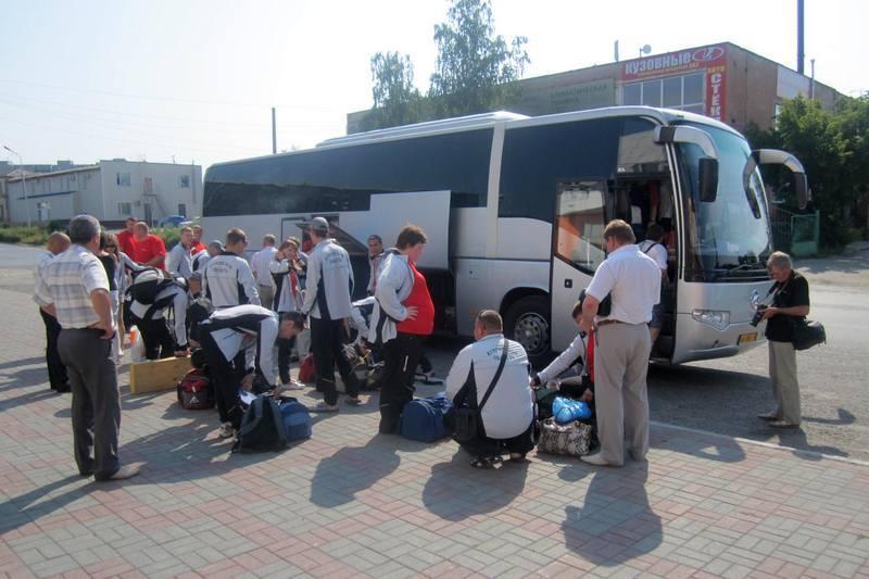 Комплексную спортивную школу олимпийского резерва в Ржевском районе оснастили новыми автобусами