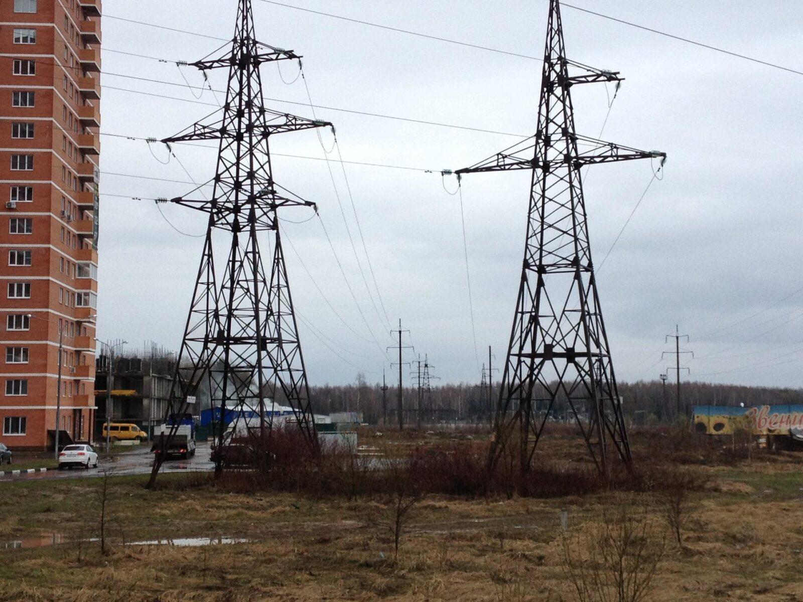 Тверские энергетики проводят работы по повышению надежности электроснабжения микрорайонов Мамулино и Брусилово