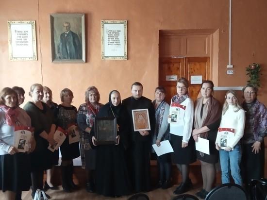 Маленькая сельская школа в Тверской области собрала высоких гостей