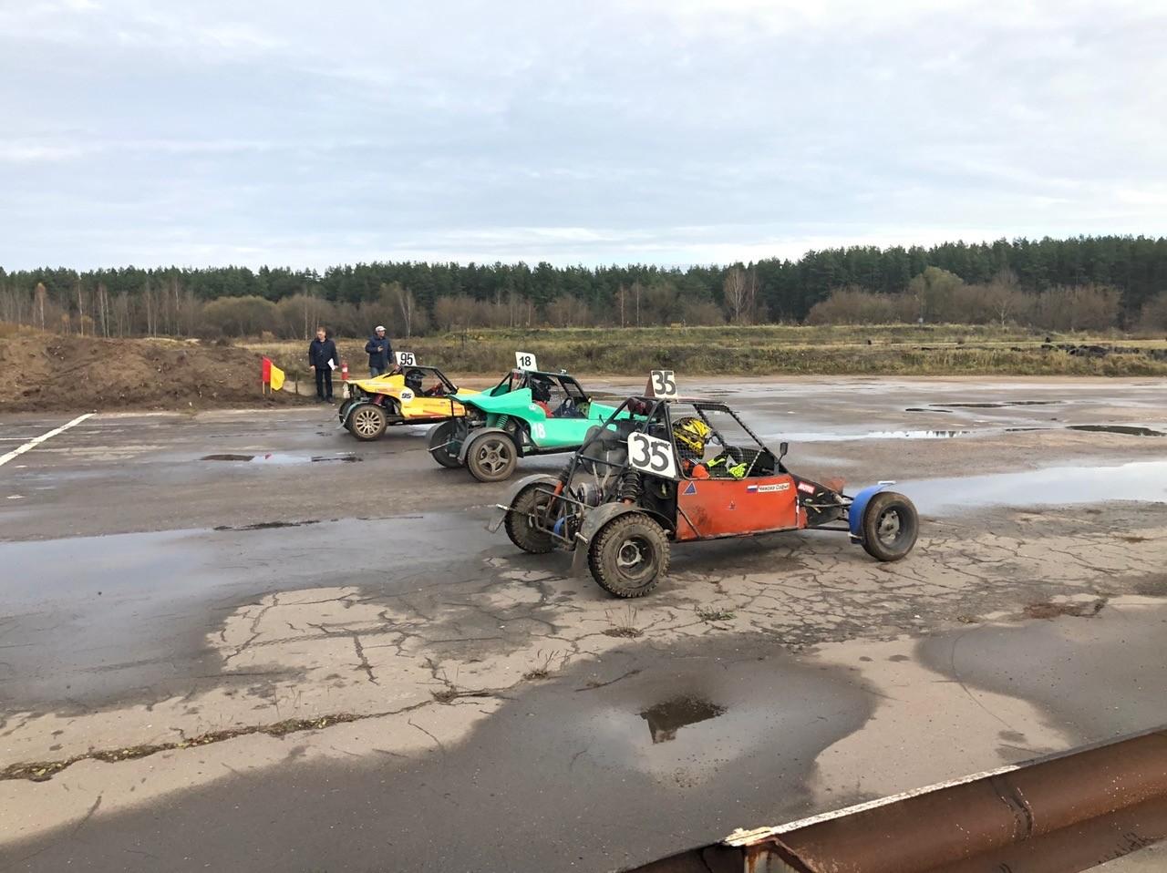 Соревнования по автокроссу собрали в Твери отчаянных гонщиков