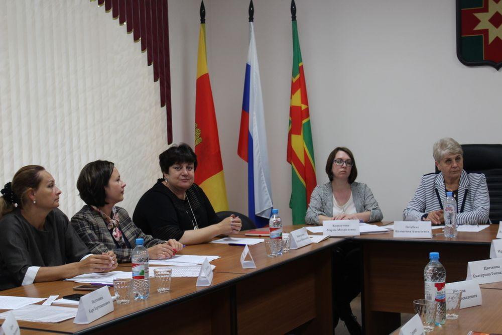 Прошла первая организационная сессия Собрания депутатов Лихославльского района