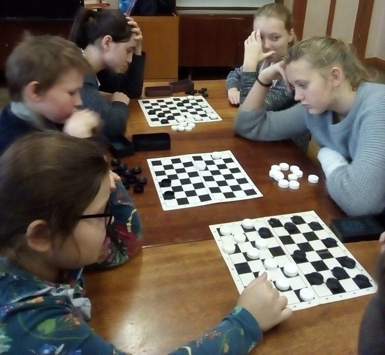 В Лихославле прошли спортивные соревнования по шашкам