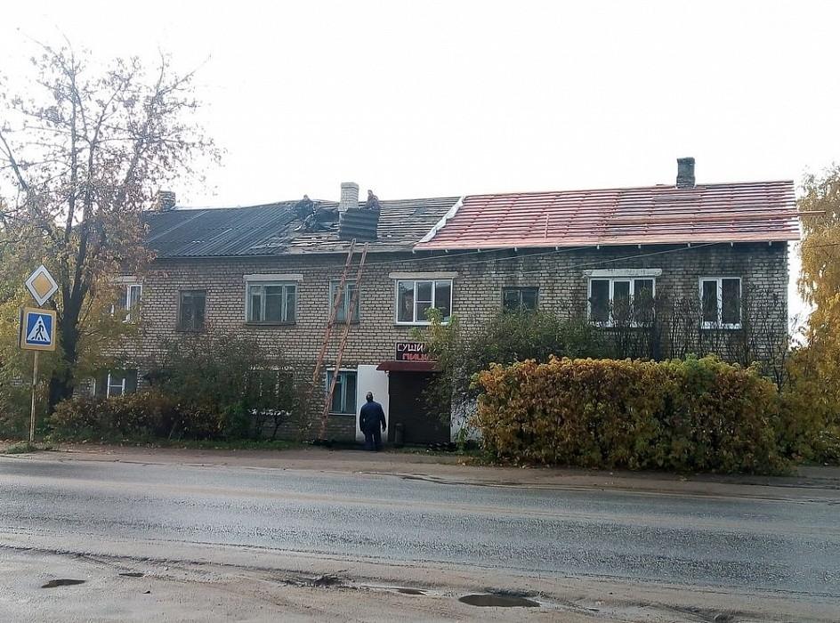 В многоквартирных домах Калязина обновляют кровли