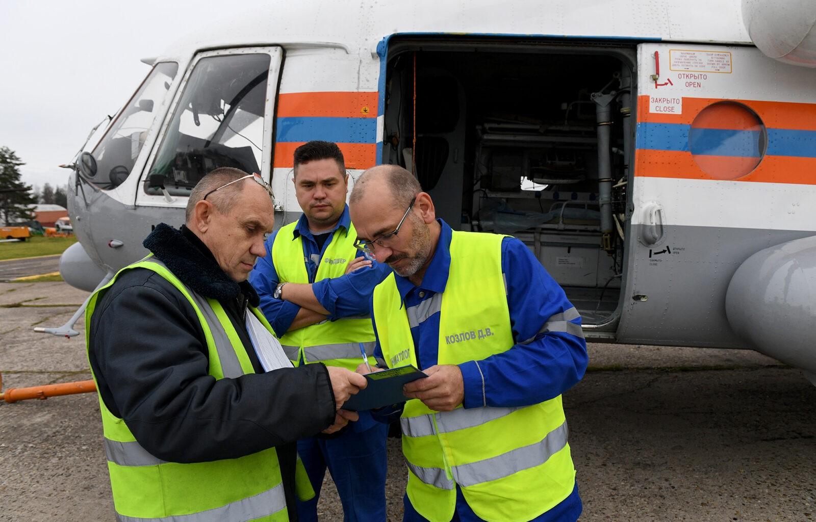 Вертолёт санавиции с бригадой медиков на борту экстренно доставил пациента из Бежецка в Тверь