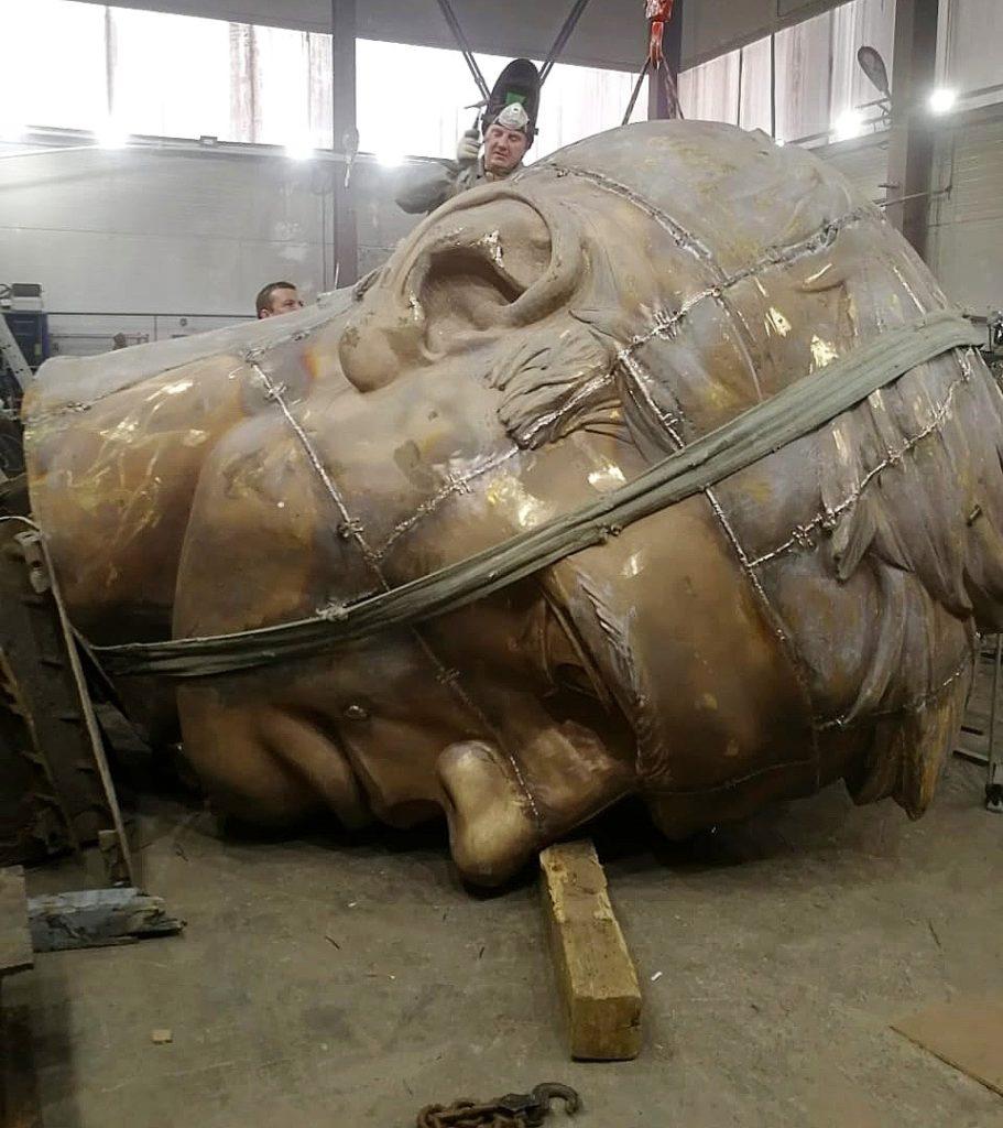 В Подмосковье завершается отливка фигуры бронзового солдата для Ржевского мемориала