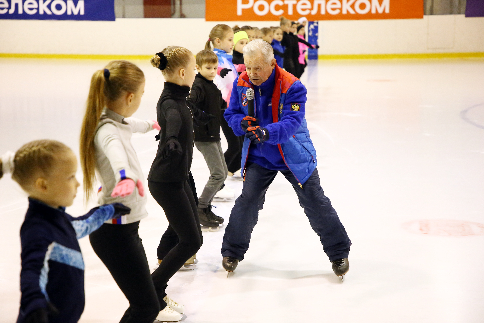 Тренер чемпионов Виктор Кудрявцев дал мастер-класс юным тверским фигуристам