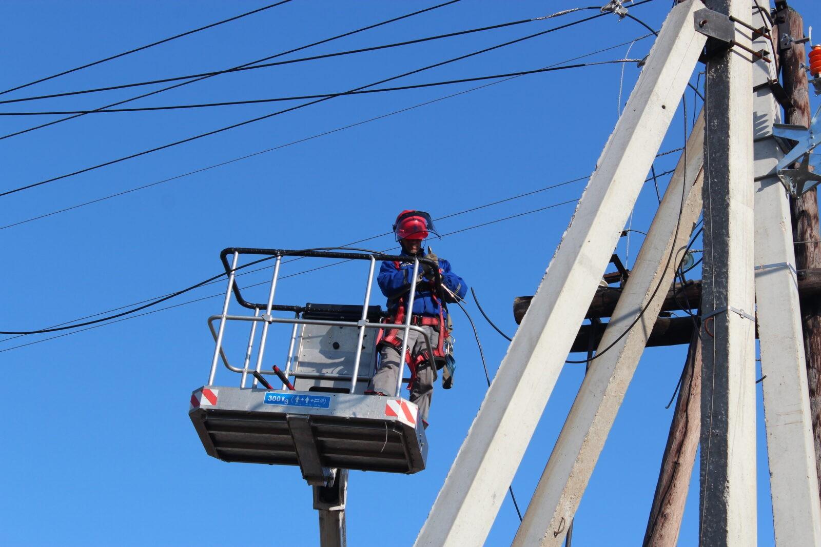 Энергетики «Россетей» завершают восстановление энергоснабжения потребителей в Тверской области