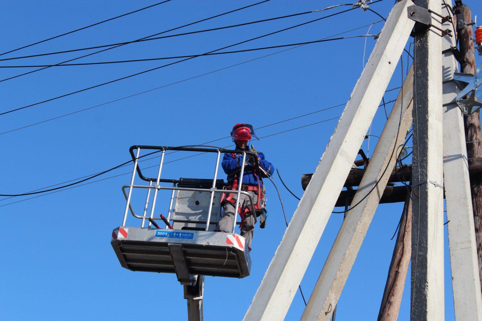 Энергетики Тверьэнерго фиксируют положительную динамику в ходе работ по восстановлению электроснабжения региона