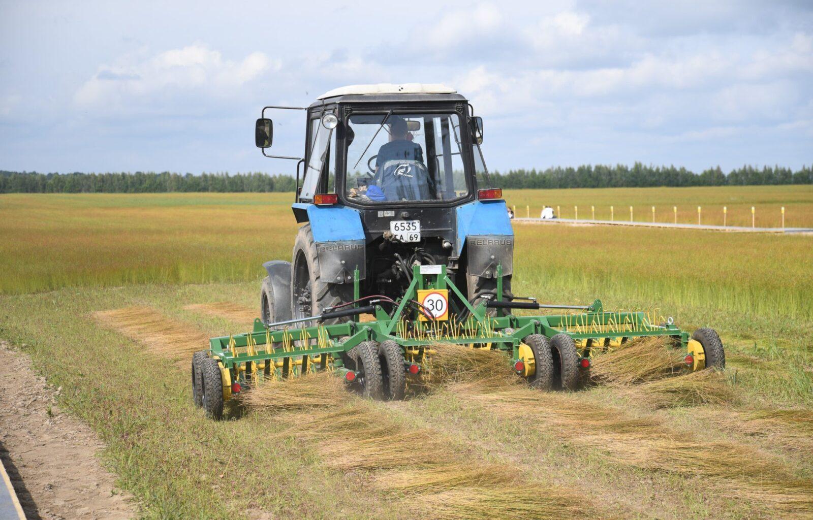 Сельхозпредприятия и фермерские хозяйства Калининского района завершают уборку урожая