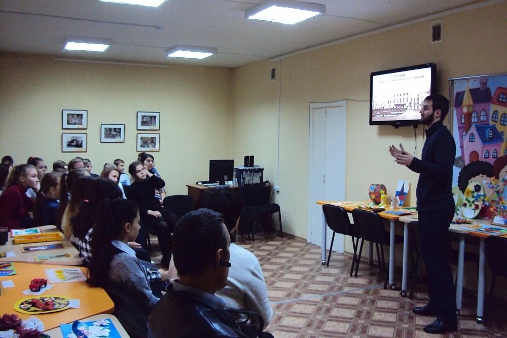Рамешковским школьникам рассказали историю Императорского дворца