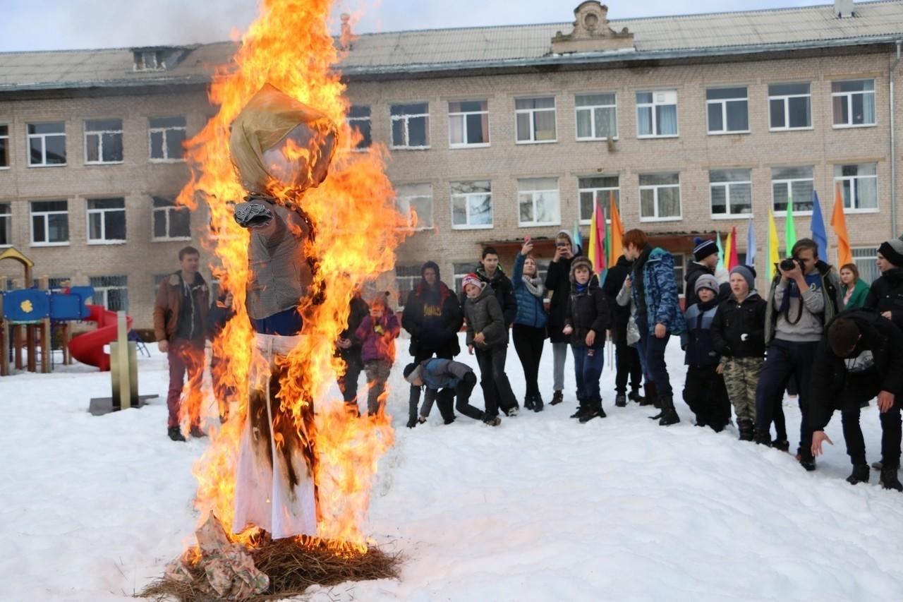 Фольклорный праздник провели волонтёры в Медновском интернате  Тверской области