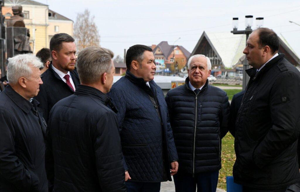 Игорь Руденя проинспектировал ход ремонтов на объектах, расположенных на въезде в Ржев