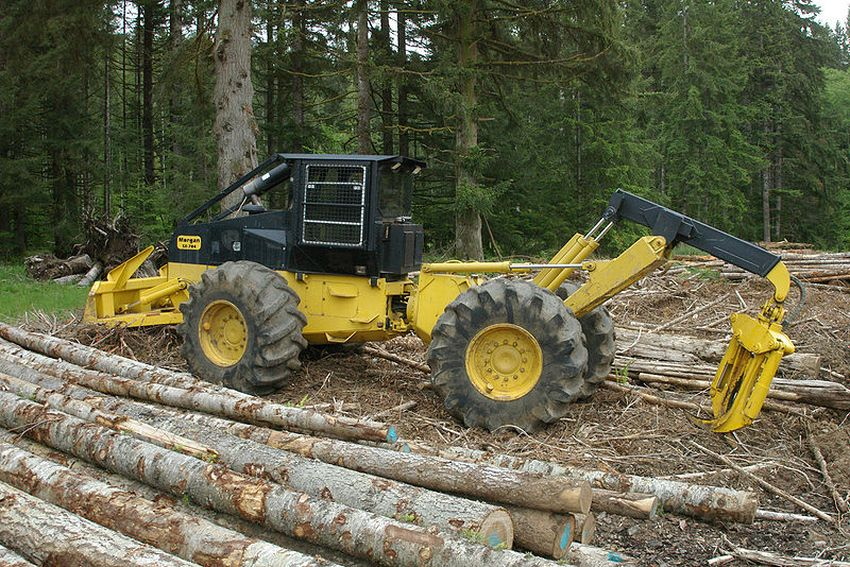 С лесными пожарами в Тверской области поможет справиться новая спецтехника