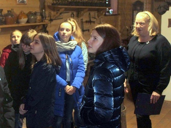 Школьники Старицкого района посетили музей Русской печи
