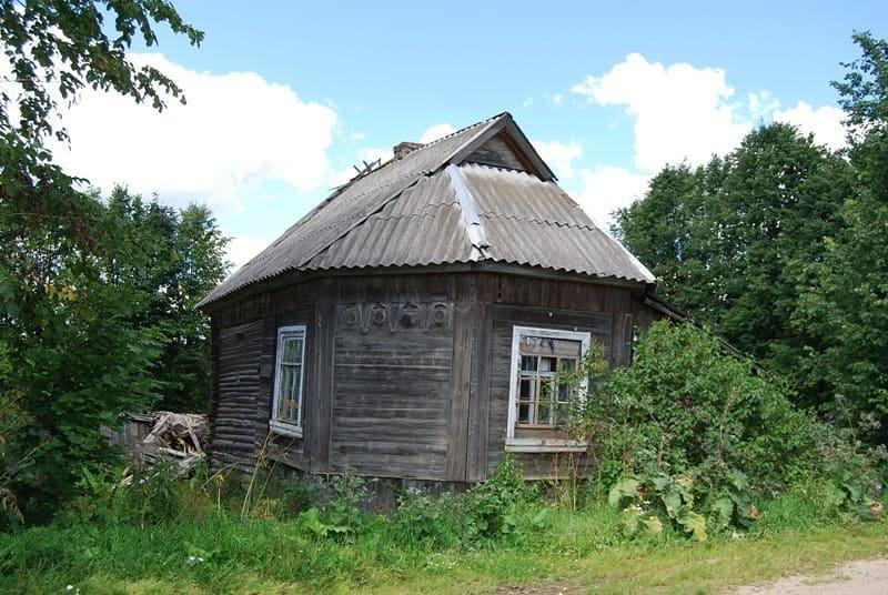 В Тверской области в заброшенном доме нашли старинный холст