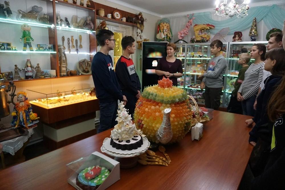 """Лихославльские студенты будут проходить практику на """"Мармеладной сказке"""""""
