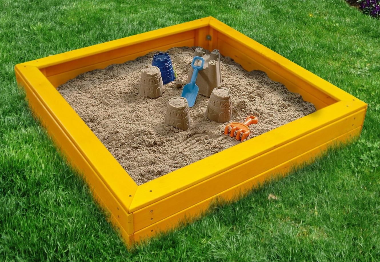 Жители Тверской области могут выбрать объекты для детской площадки