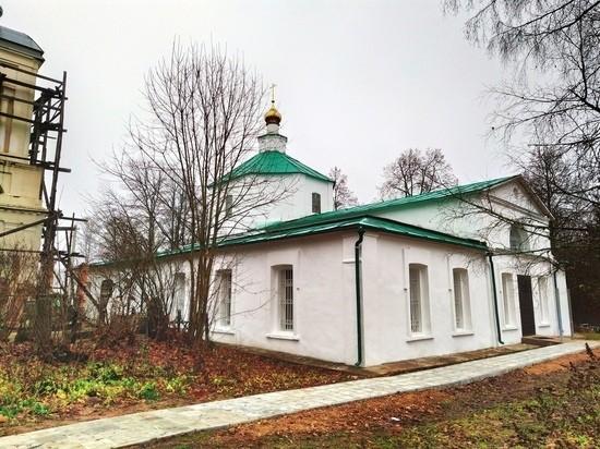 В Оленинском районе отслужили первую литургию в восстанавливаемом храме