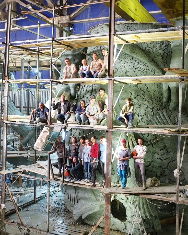 В мастерской скульптора Андрея Коробцова слепили 25-метровую фигуру солдата для Ржевского мемориала