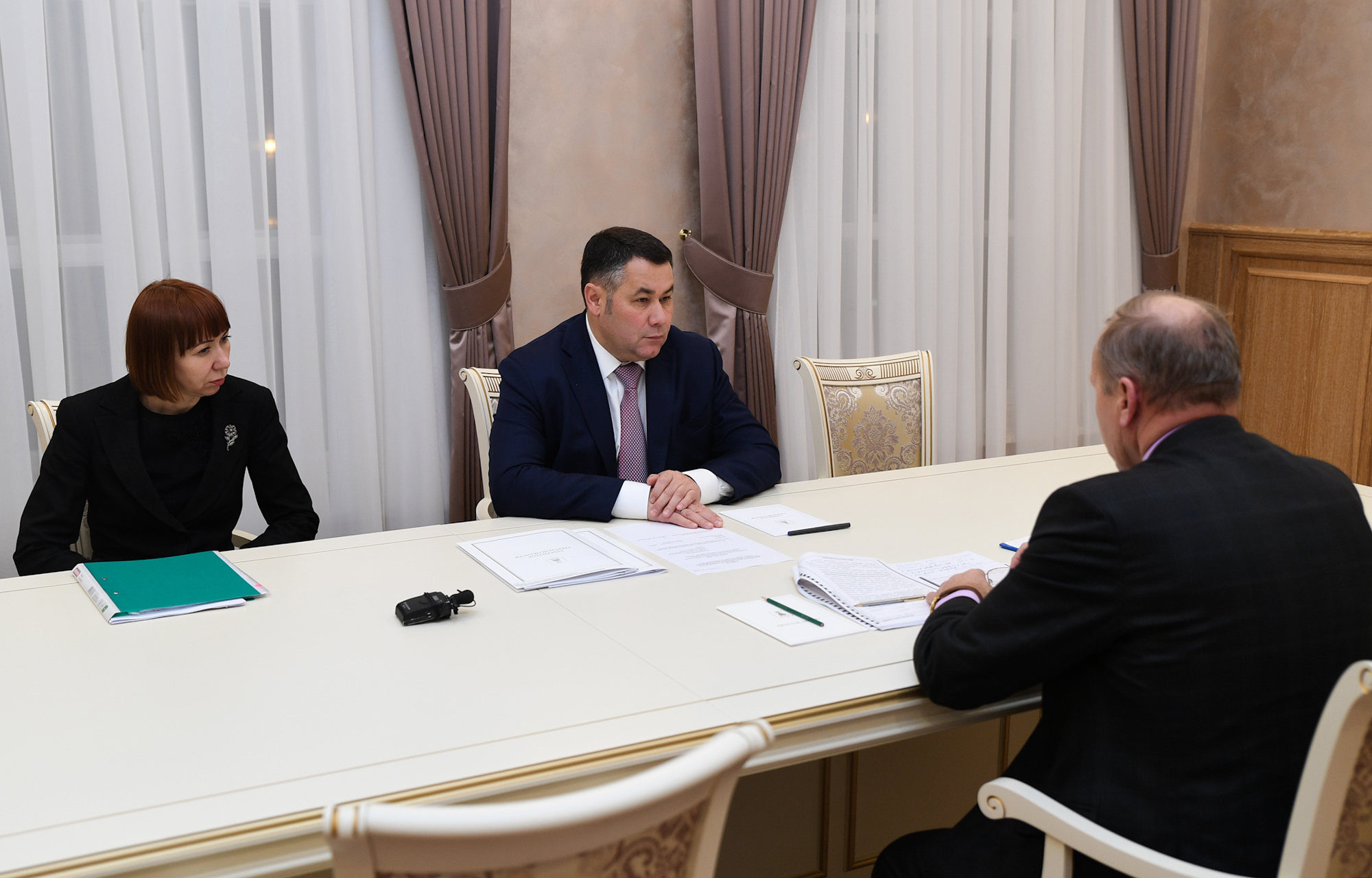 Игорь Руденя провел рабочую встречу с главой Сонковского района