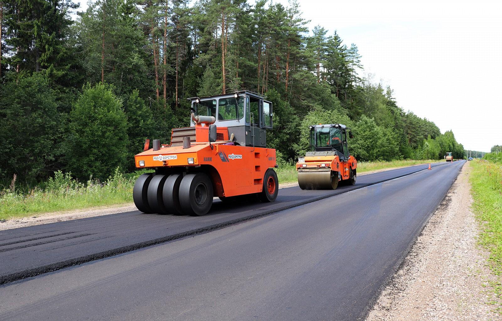 Завершены ремонтные работы на отрезке дороги Толмачи-Ломовое в Тверской области