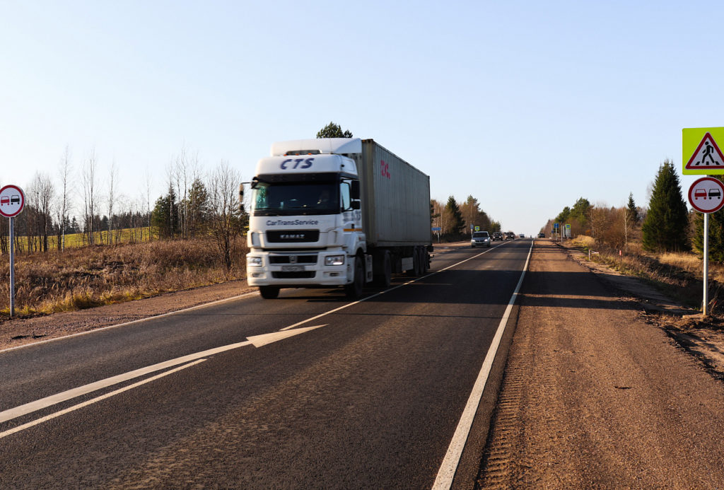 На трассе Торжок-Осташков отремонтировали 25-километровый участок