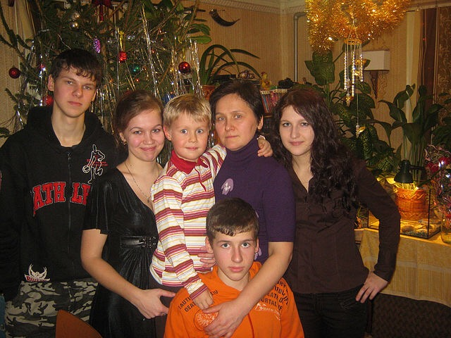Слава не в медалях, а в детях: Тверская область отмечает День матери