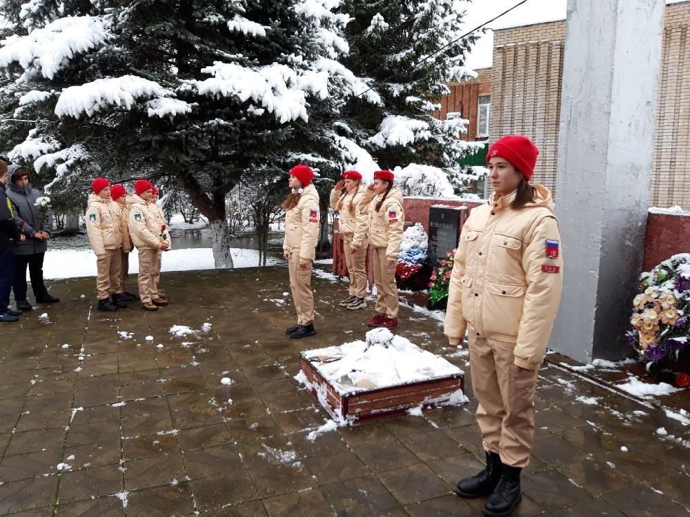 В Кесовой Горе прошёл парад «Вперед, к Победе!»