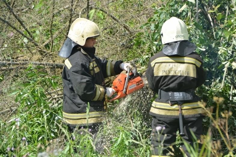 В Сандовском районе устранили последствия урагана