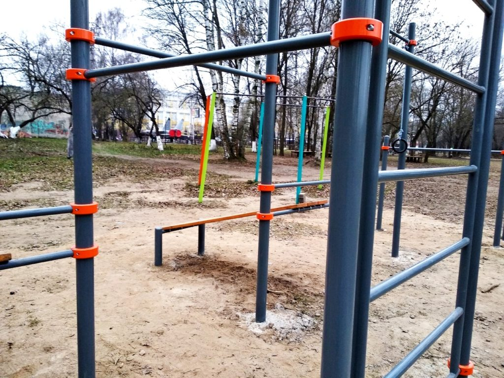 В Твери в парке Победы установили новую спортивную площадку