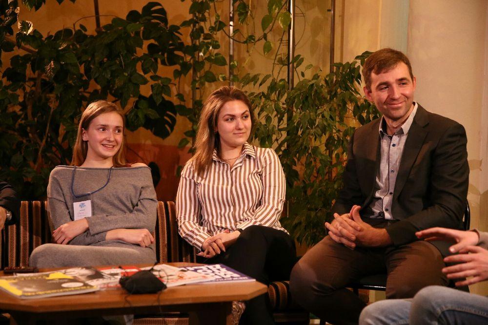 В Твери обсудили будущее печатных СМИ