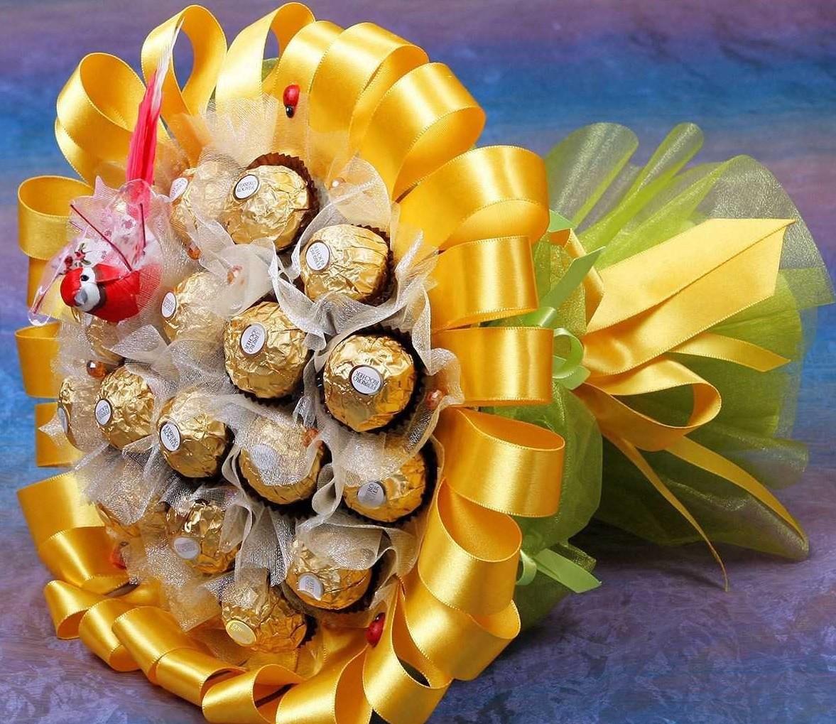 В Твери научат собирать цветы из конфет