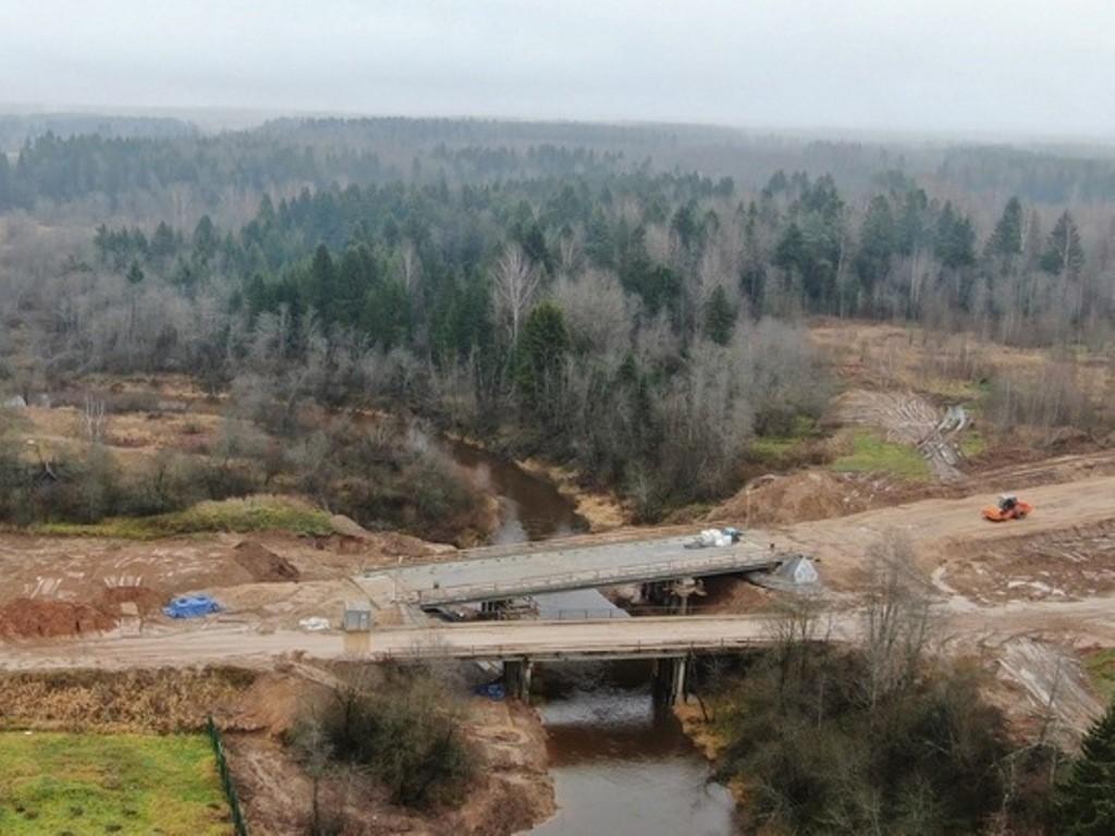 В Оленинском районе завершили самые сложные работы на мосту через Березу