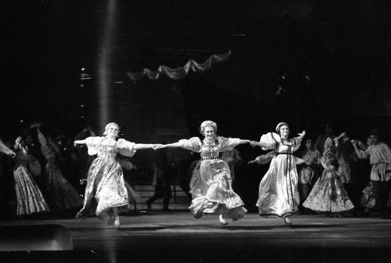 """В Твери увидят выставку """"Русский театр Серебряного века"""""""