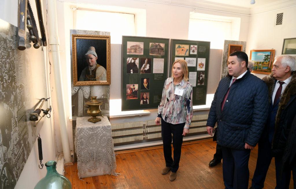 В преддверии юбилея Великой Победы  губернатор дал поручение благоустроить территорию  у Ржевского краеведческого музея