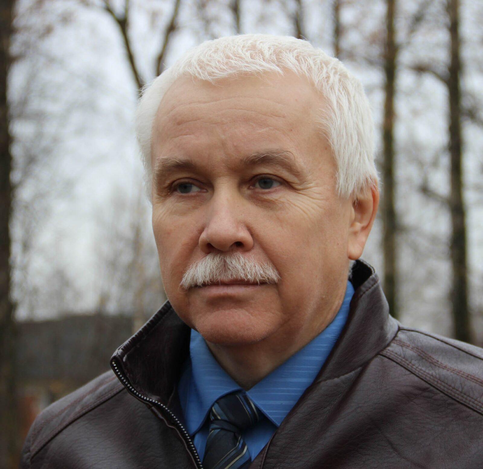 Юрий Ануфриев: Дорожная техника должна пойти в частный сектор