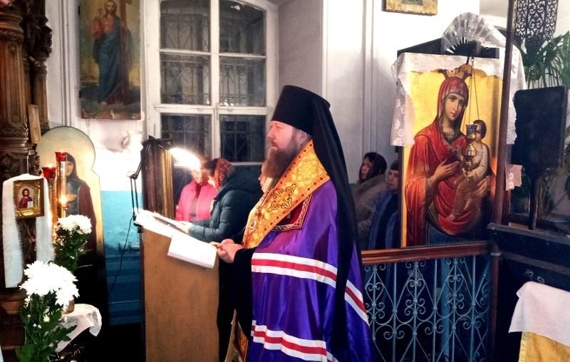 В Кесовой горе прошло служение Всенощного бдения