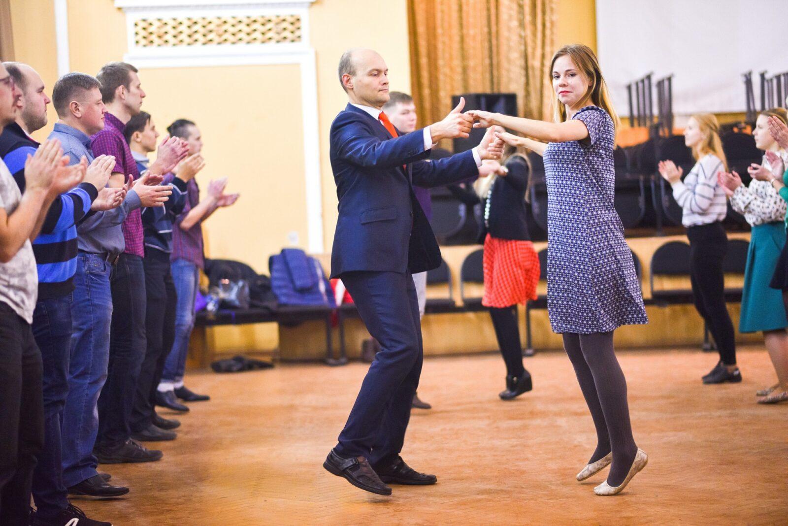 Маэстро будет бесплатно учить жителей Твери бальным танцам