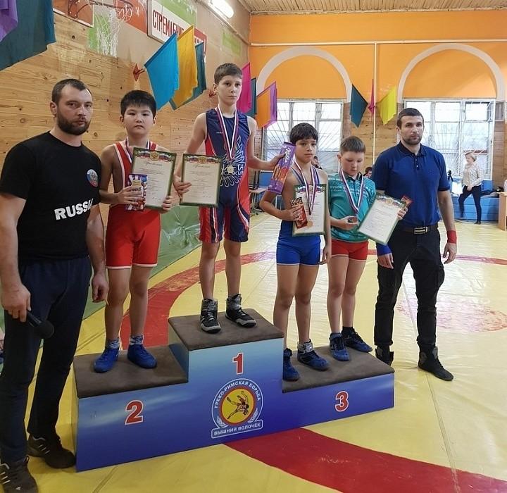В Вышнем Волочке состоялся XV традиционный турнир среди юношей по греко-римской борьбе