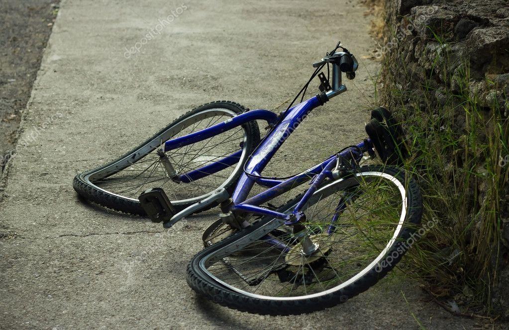 Велосипедист отсудил 80 тысяч рублей у водителя, который его сбил в Тверской области