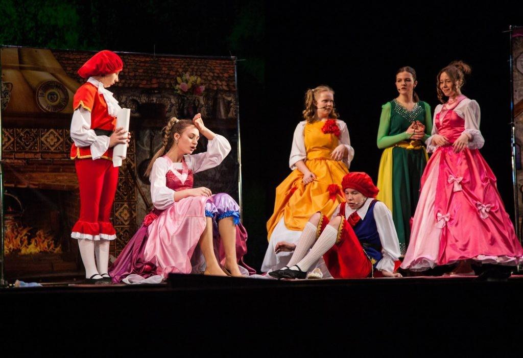 В Тверском театре драмы стартовала предновогодняя премьера для детей и взрослых