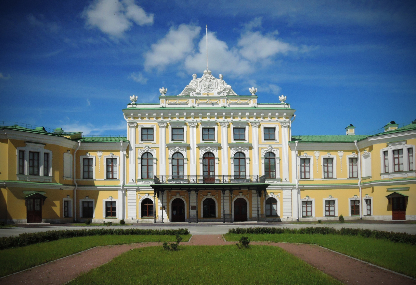 Фонды Тверской областной картинной галереи вновь откроют для посетителей