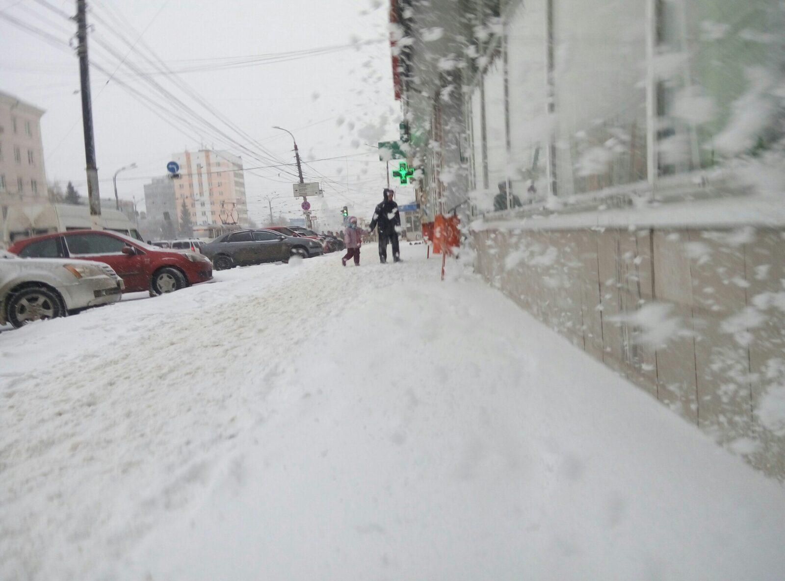 Обещанный синоптиками снегопад начался в Твери