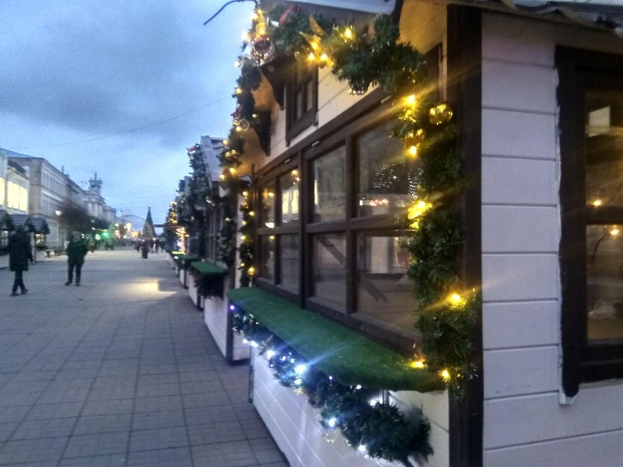 Начал работу первый рождественский домик в Твери