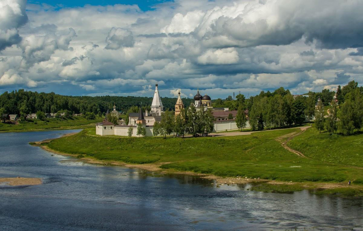 Последняя удельная столица Руси: что Иван Грозный сделал со Старицей