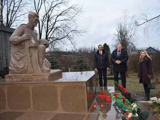 Сергей Голубев осмотрел больницу в Оленинском районе