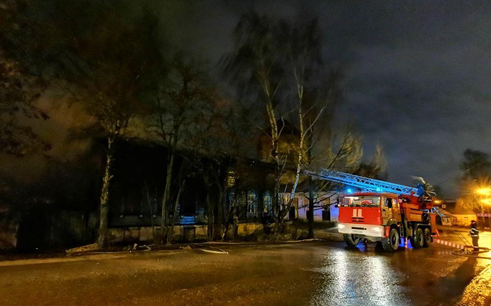 Пожарные вновь тушили объект культурного наследия в Твери