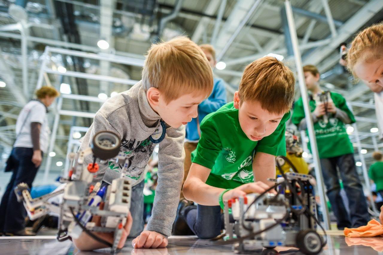 В Тверской области проходят соревнования по сборке управляемых роботов