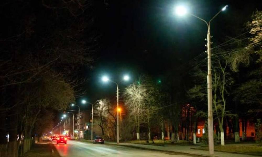 В Сандовском районе Тверской области уличное освещение привели к Национальным стандартам