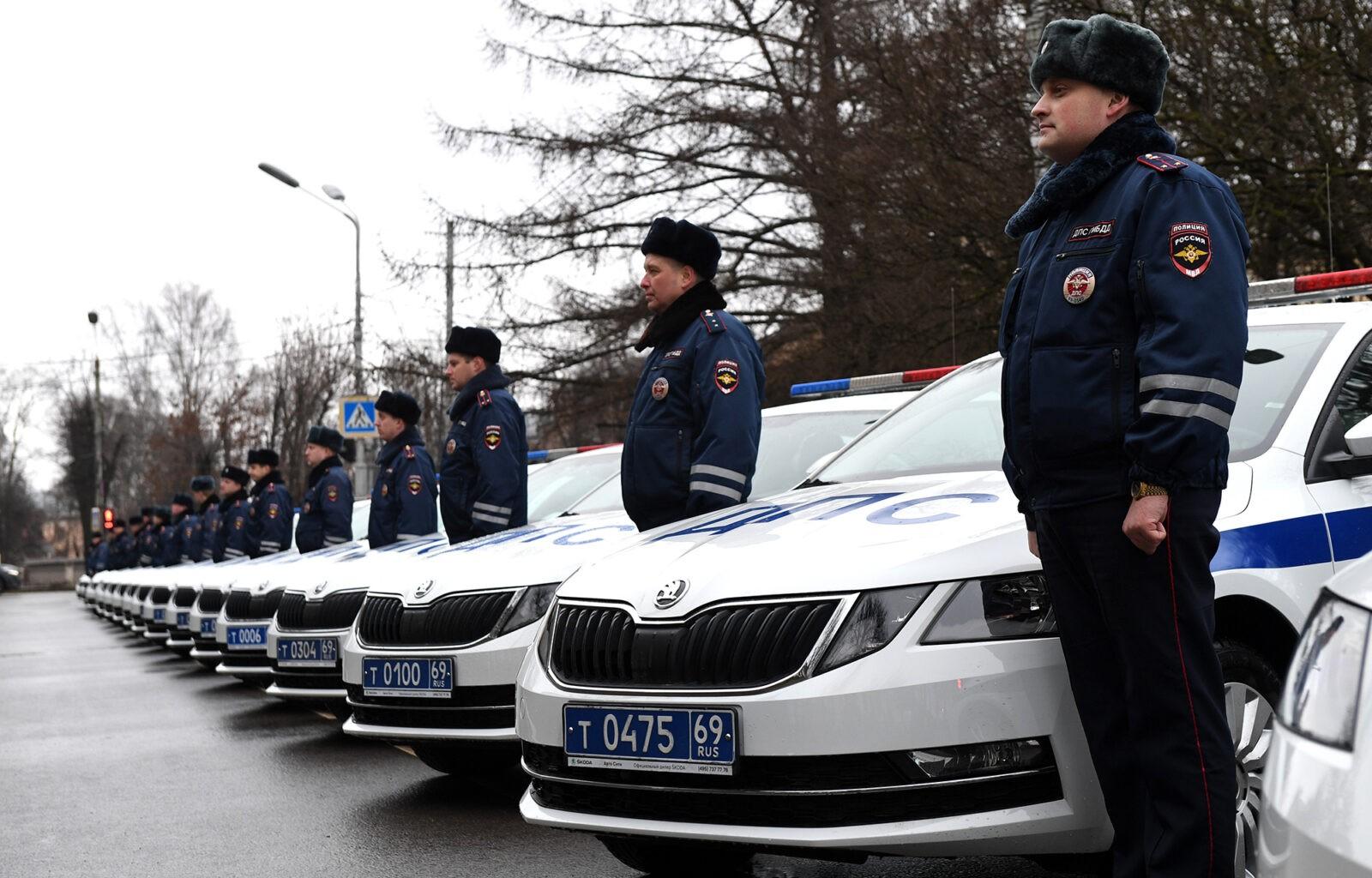 41 новый служебный  автомобиль передан подразделениям ГИБДД и участковым Тверской области